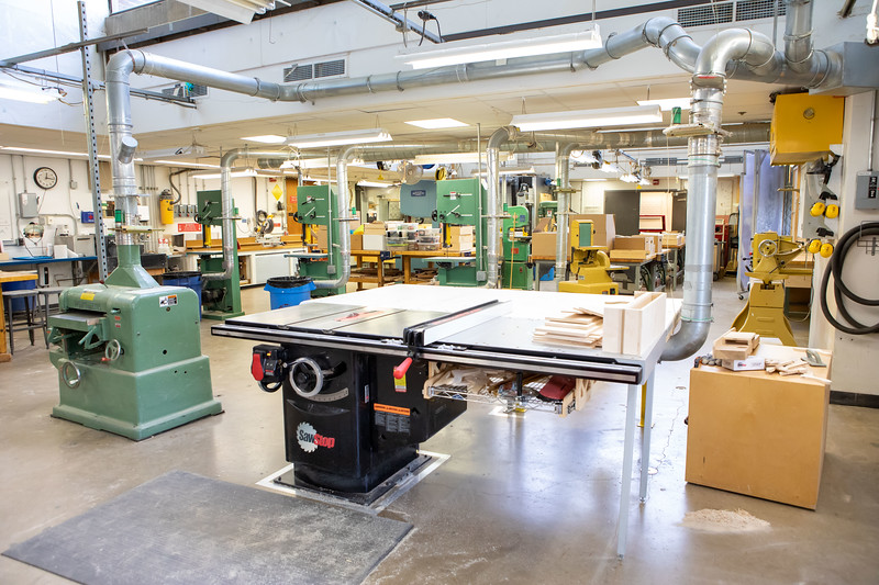Photo of the fabrication lab.