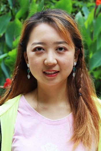 Headshot of Design Fellow, Yixin Wei.
