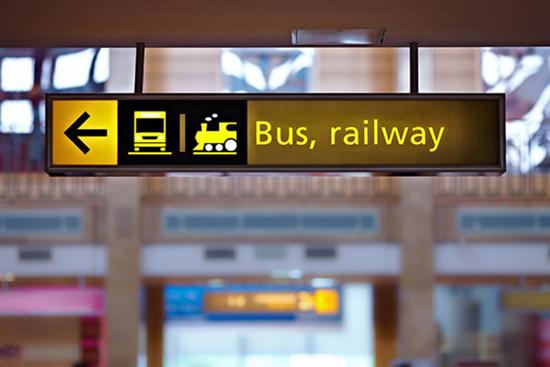 Sign sayin 'Bus, railway'