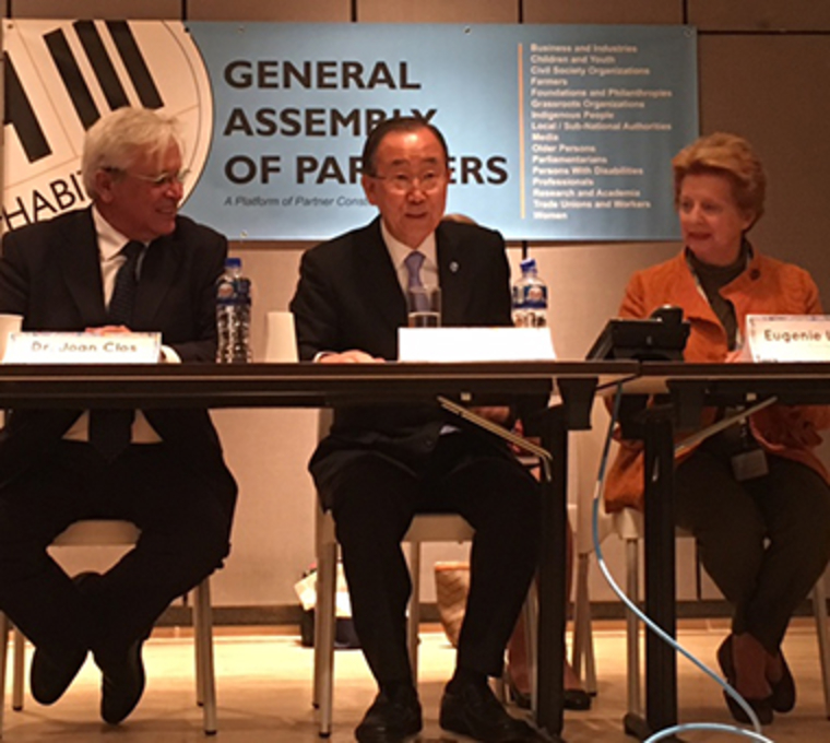 Eugenie Birch (right) and UN Secretary General Ban Ki-moon (center) at a meeting of the General Assembly of Partners at UN Habitat III