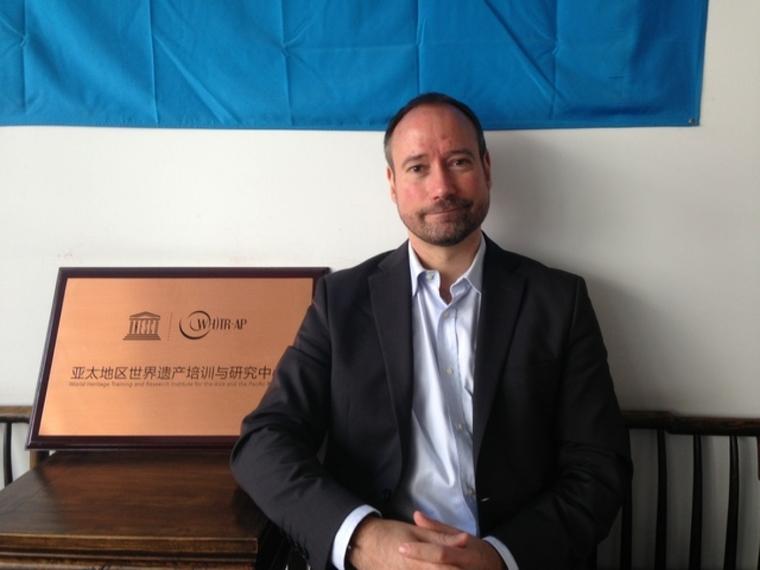 Dr Ronald Van Oers