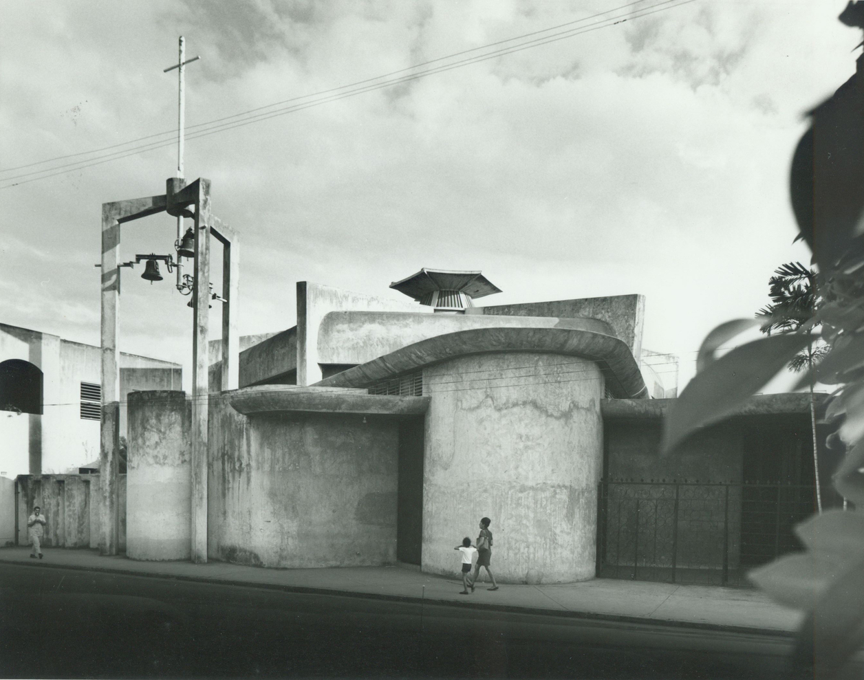 Del Carmen Church in 1965. Photo by Conrad Elger & Alexander Georges. Source: Henry Klumb Collection, Architecture and Construct
